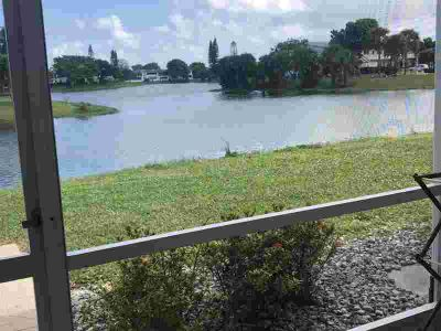 37 Berkshire B West Palm Beach One BR, Wow!! !Park at your