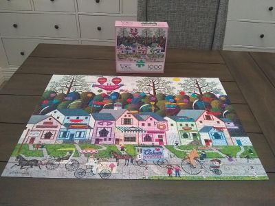 1000 piece puzzle, like new