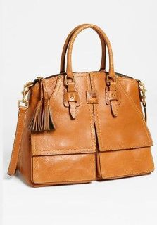 Womens Dooney and Bourke Handbag.  Fashonable Burberry Satchel Bag, Gucci Satchel Bag, Louis Vuitto