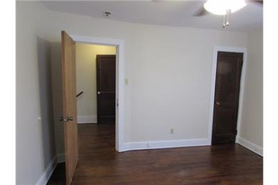 Updated 2 Bedroom Close to Campus