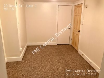 H&HW incl. in Charming, Spacious Center Square Apt.  Amazing location!