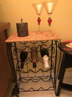 Wine bottle holder table wicker and metal