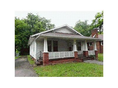 3 Bed 1.0 Bath Foreclosure Property in Knoxville, TN 37915 - S Van Gilder Pl