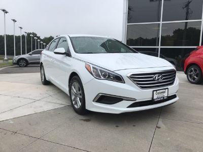 2017 Hyundai Sonata SE (Quartz White Pearl)