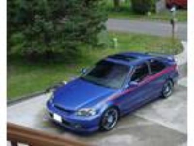 2000 Honda Civic Si with factory spoiler