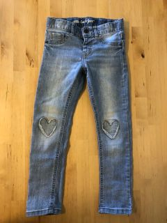 Cat & Jack 5T Heart Knee Jeans