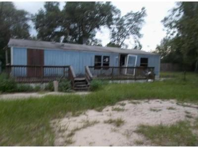 3 Bed 2 Bath Foreclosure Property in Keystone Heights, FL 32656 - Baylor Ave