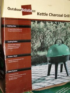 Kettle type Charcoal Grill.