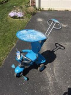 tricycle/stroller in excellent condition