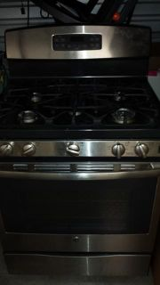 GE Convection Gas StoveOven Like New make me an offer..