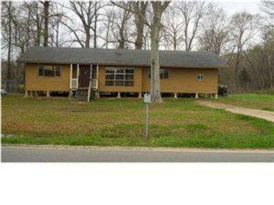 $115,000, 3br, Adorable Country Cottage w lots of space