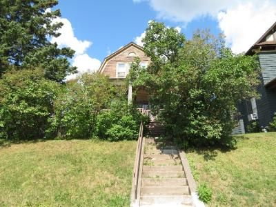 3 Bed 1 Bath Preforeclosure Property in Duluth, MN 55812 - E 4th St
