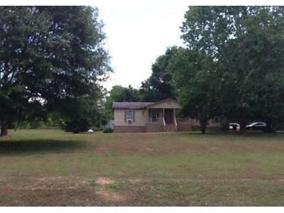 3 Bed 2.0 Bath Foreclosure Property in Milner, GA 30257 - Ridgeway Rd