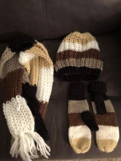 Scarf, hat and gloves