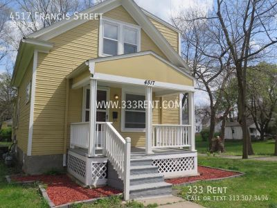 *Charming* 2-story house with full basement!