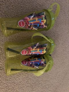 2017 Six Flags Yellow 2017 Six Flags 2017 Six Flags Souvenir Refillable Sports Bottle Cup