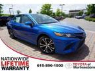 new 2019 Toyota Camry for sale.
