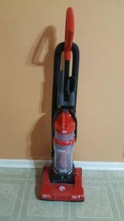 Dirt Devil Easy Lite Bagless cyclonic Quick upright vacuum cleaner
