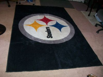 NFL PITTSBURGH STEELERS (EXTRA LARGE) AREA FOOTBALL RUG.