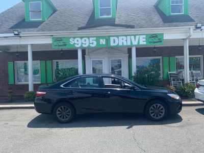2016 Toyota Camry LE (Black)