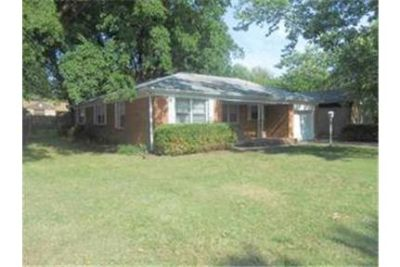 Newly remodeled 3 bedroom home for lease in Derby