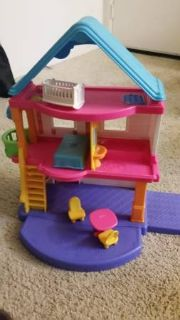 Fisher Price Dollhouse with dolls and accessories
