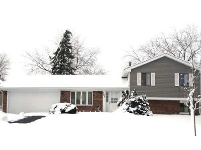 3 Bed 2.5 Bath Foreclosure Property in Hanover Park, IL 60133 - Seaview Dr