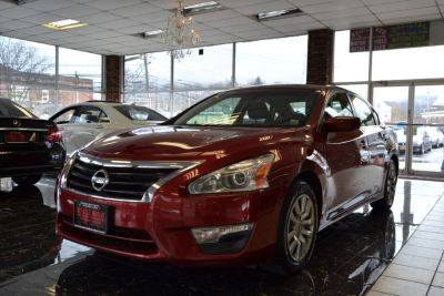 2014 Nissan Altima 2.5 (Cayenne Red Metallic)