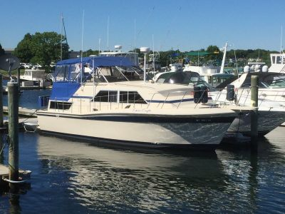 1981 Model 381 Chris Craft Catalina Double Cabin. $24,900