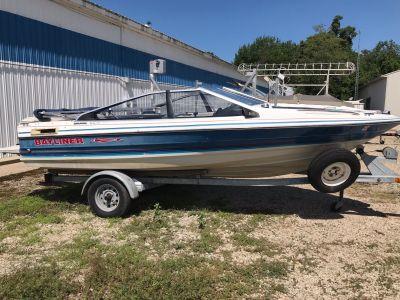 1988 Bayliner capri 2.3 Boat Coloma, MI