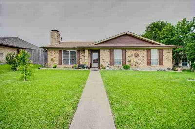2903 Owen Lane MESQUITE, Beautiful Three BR brick home in