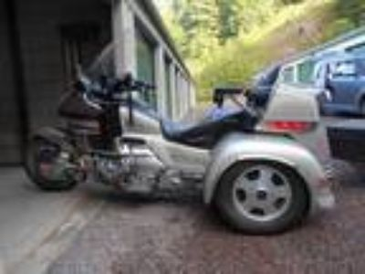 1998 Honda Gold Wing with Trailer
