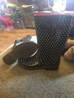 Tractor supply polkadot rubber boots size 9