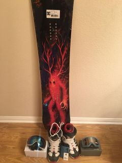 DC ply snowboard set never used in plastic