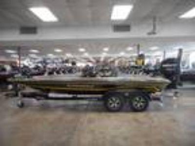 2018 Phoenix Bass Boats 920 ProXP