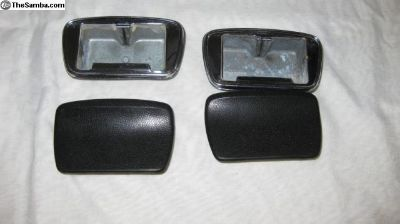 Ash trays for rear seat