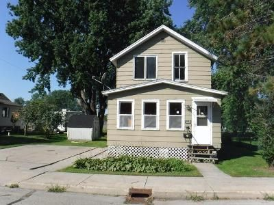 3 Bed 1 Bath Foreclosure Property in Marinette, WI 54143 - Ogden St