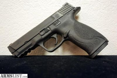 For Sale: Smith & Wesson M&P9 Pistol