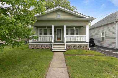 1020 Madison Street SAINT CHARLES Two BR, This adorable midtown