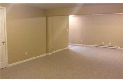 4 bedrooms Apartment - for a Showing Today Elite Realty 1- ext. 2. Washer/Dryer Hookups!