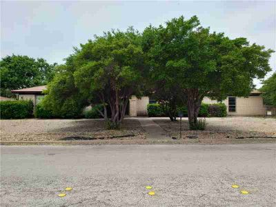 2234 Robertson Drive ABILENE Three BR, Spacious home with tons of