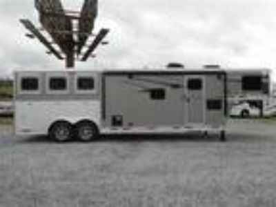 2019 Lakota Charger 11' Slide Out Living Quarters 3 Horse 3 horses