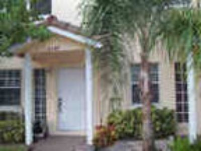 Beautiful 2 2 5 Townhouse For Rent