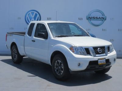 2014 Nissan Frontier SV V6 (White)