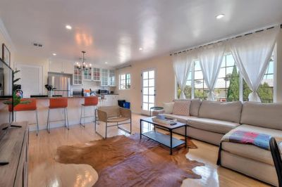 $5610 2 apartment in West Los Angeles