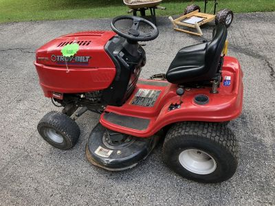 Great Troy Built riding mower, 42 deck. 17.5hp clean, Cuts even.