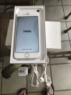 iPhone 6 - 64GB - Silver - Unlocked