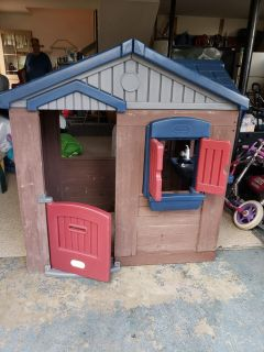 Little tikes wood playhouse... amazing condition..