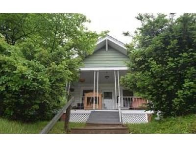 3 Bed 2 Bath Foreclosure Property in Woodlyn, PA 19094 - Jefferson Ave