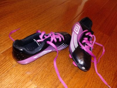 Girl 10 soccer cleats. Free with purchase!